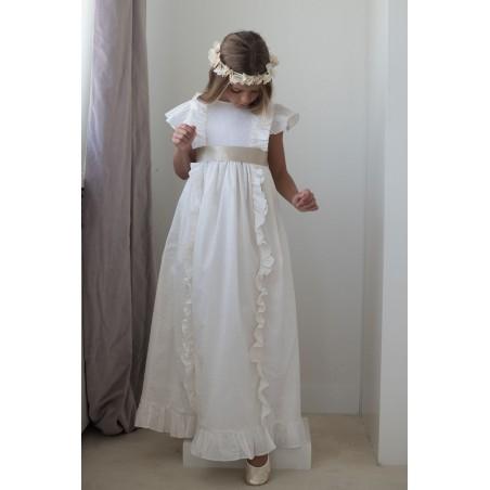 35. Vestido de comunion plumetti beige manga corta con volantes vertical