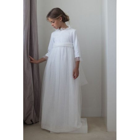"""31. Vestido de comunión """"plumetti beige + tul en cuellos y puños """""""