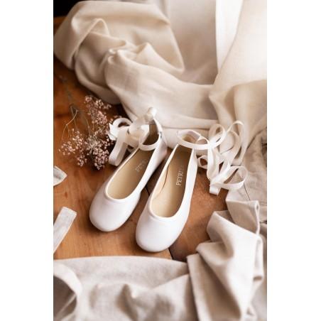 B.8.Bailarina blanca